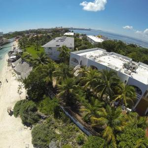 Maya Caribe Beach House Hotel (3*)