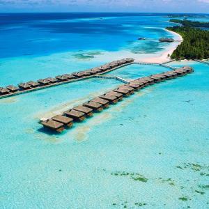 Medhufushi Island Resort (5 *****)