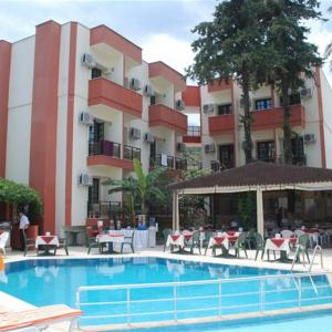 Armeria Hotel (3 ***)