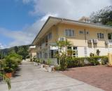 Reef Holidays Apartments