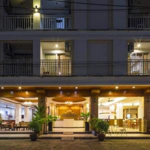 Azure Phuket (3*)