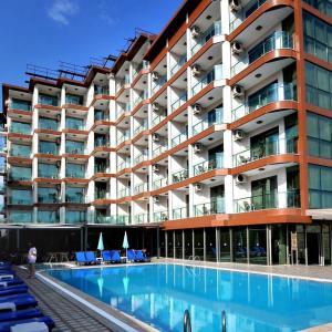 Grand Bayar Beach Hotel (4 *)