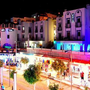 Sky Vela Hotel & Suites (4 ****)