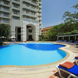 Waterfront Suites Phuket by Centara (4*)
