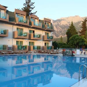 Monna Roza Garden Resort Hotel (4 *)