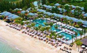 отель Beyond Resort Khaolak