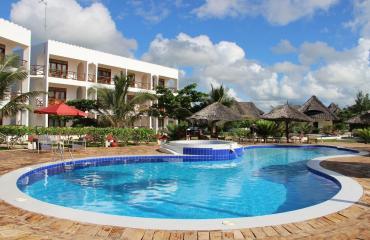 Reef & Beach Resort 4*