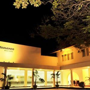 Catamaran Beach Hotel (3*)