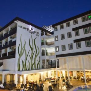 Holiday City Hotel (4*)