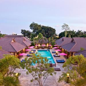 Rose Bay Resort (3 ***)