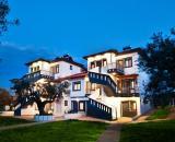 Akti-s Deluxe Apartments & Suites