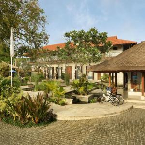 Sudamala Suites & Villas (*****)