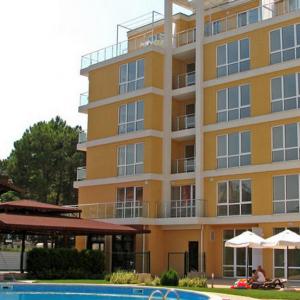 Flores Park Aparthotel (3*)