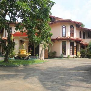 Villa Ranmenika (***)