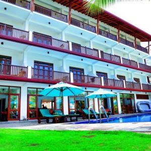 Rockside Beach Resort (4*)