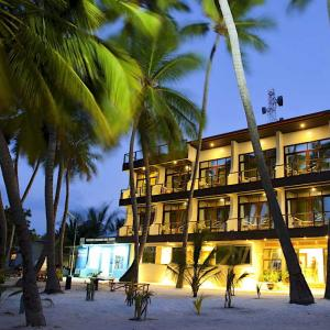 Kaani Beach Hotel (****)