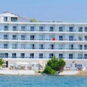 Porto Evia Boutique Hotel (3+*)